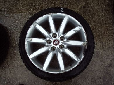 Jaguar XK8 19 Inch Alloy Wheel Damaged No2