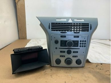 Vauxhall VAUXHALL ASTRA VXR CDC 40 RADIO CD PLAYER DISPLAY HEATER CONTROLS & FACIA