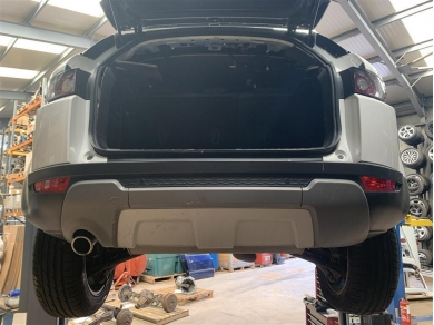 Land Rover Range Rover Evoque Rear Bumper Complete 2012 Year White
