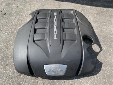 Porsche Cayenne 958 V6 3.0 Diesel Engine Top Cover 2014 Year