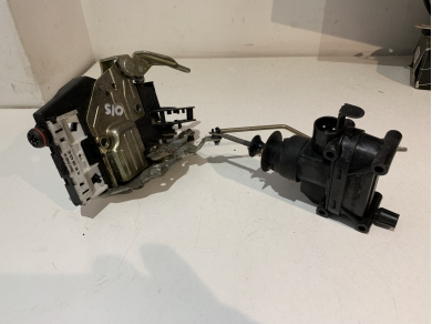 Mercedes-Benz Mercedes SL 500 Drivers Door Lock Mechanism R129 W129 Mercedes O/S
