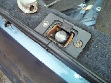Porsche PORSCHE 928 S4 LOWER BOOT LOCK RECEIVER A7PXR 92851205520