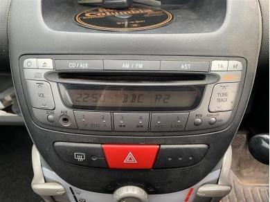 Toyota Aygo Radio Toyota Aygo CD Player Toyota Aygo Hazard Switch 2006 Year