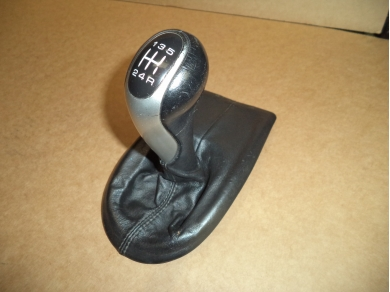 Porsche PORSCHE BOXSTER 986 LEATHER GEAR KNOB W714EOX 99655265501