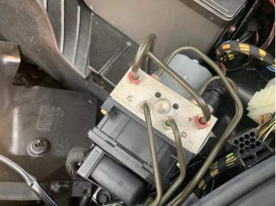 Bosch PORSCHE 996 ABS PUMP 996.355.755.54 GK51 VUH 99635575554