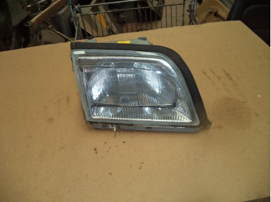 Mercedes-Benz MERCEDES BENZ SL500 RIGHT HAND SIDE FRONT HEADLAMP. SUBST FIRST BOX