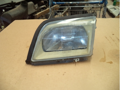 Mercedes-Benz MERCEDES BENZ SL500 LEFT HAND SIDE FRONT HEADLAMP. SUBST FIRST BOX