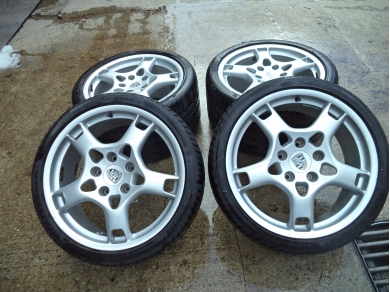 Porsche GENUINE PORSCHE 997 C2S LOBSTER CLAW 19 INCH ALLOY WHEELS 8J &11J LX56EFN
