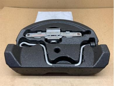 Porsche Boxster 986 Jack Set Boxster 986 Jack & Cranking Handle C/w. Foam Case
