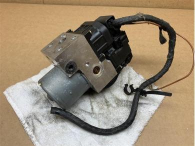 Porsche Boxster ABS Pump P/n. 99635575504 Bosch P/n. 0265215401 C/w. Plug