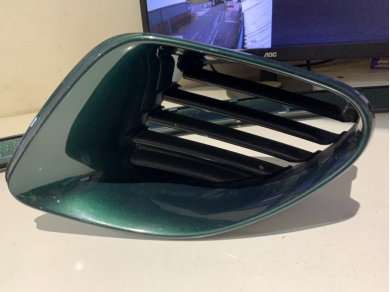 Porsche PORSCHE BOXSTER 986 AIR INTAKE VENT GREEN 27.11 98650456102