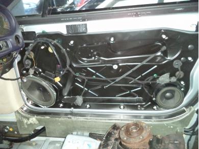 Bentley BENTLEY CONTINENTAL GT O/S FRONT WINDOW WINDER MECHANISM. 3W0837402E V10JTG
