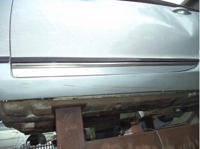 Bentley BENTLEY CONTINENTAL GT PASSENGER SIDE DOOR LOWER CHROME STRIP V10JTG