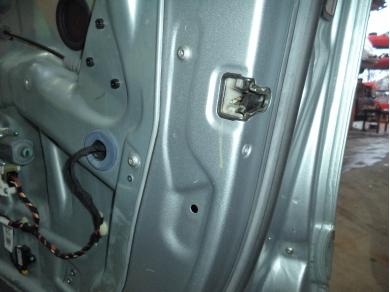 Mercedes-Benz MERCEDES BENZ ML W164 O/S REAR DOOR LOCK MECHANISM WLML