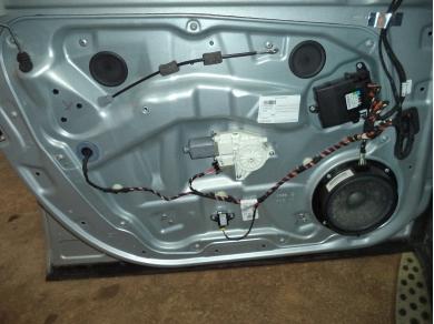 Mercedes-Benz MERCEDES BENZ ML W164 N/S FRONT WINDOW MECHANISM WLML