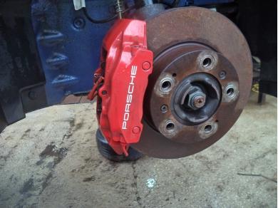 Porsche PORSCHE BOXSTER 986 2.5 O/S FRONT BRAKE CALIPER PAINTED IN RED V819JTO