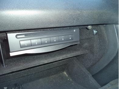 Mercedes-Benz MERCEDES BENZ ML W164 GLOVE BOX CD AUTO CHANGER WLML