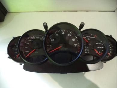 Porsche PORSCHE 911 996 3.4 TIPTRONIC CLOCKSET 996.641.108.01 S738 DGU (UPSTAIRS)