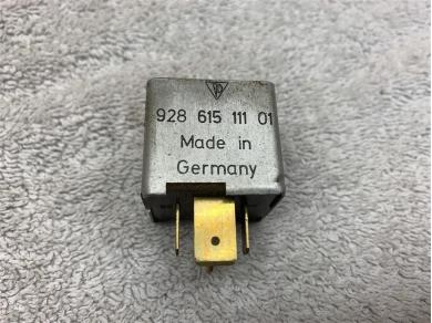 Porsche 944 968 Ignition Relay 92861511101