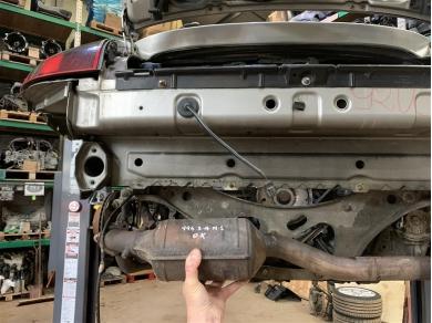 Porsche 996 Catalytic Converter 3.4 Left Side N/S 99611302155 1999 Year 3.4 996 Cat