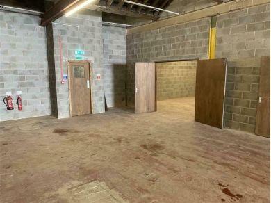Unbranded 500 Square Foot Secure Unit Workshop Storage For Rent / Standish Lancashire #E10