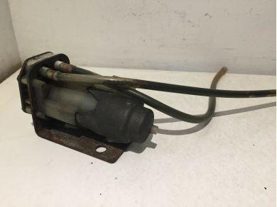 PORSCHE 924 WASHER BOTTLE PUMP PORSCHE 911 WASHER BOTTLE PUMP A296